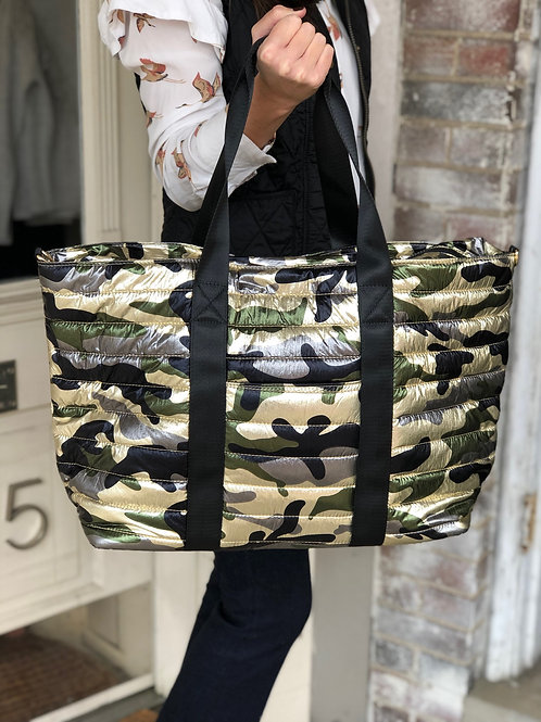 Large Puffer Tote (Camo)