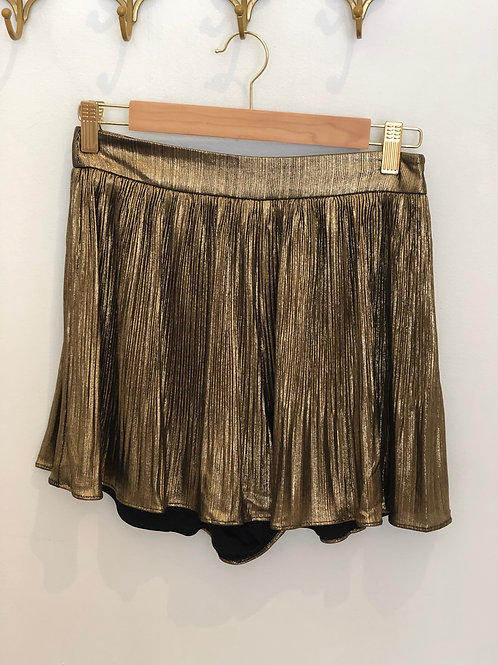 milla. Pleated Shorts (Gold Metallic)