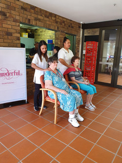 Aveo Residents - Mother's Day Seated Massage