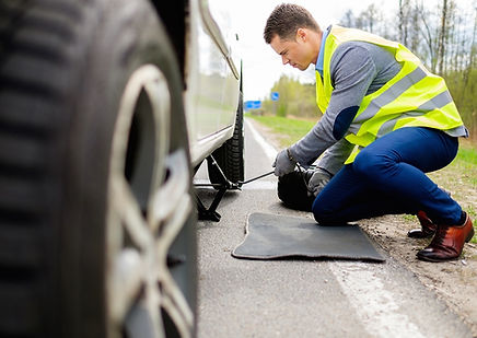 IVI'S Express Towing Assistanceprovides 24 HourRoadside Assistancein Martinez CA. IVI's Express Towing Roadside Assistancealso provides 24/7 Emergency Towing, Flat Tire change