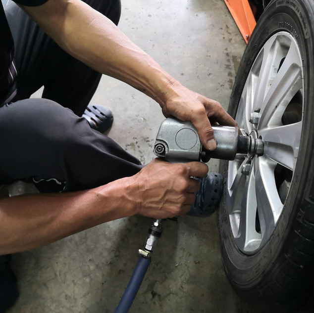 Roadside assistance - Tire change & towing,  Martinez CA, 925-329-9158