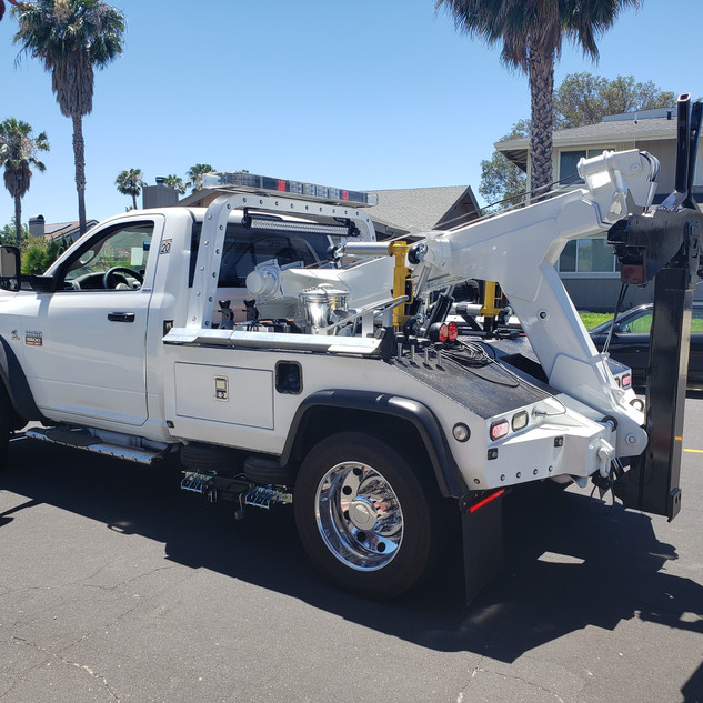 IVIS Express Towing | Towing & Roadside Assistance | Martinez CA, 925-329-9158