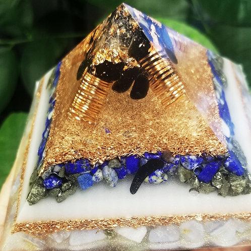Quartz,  Obsidian, Lapis Lazuli, Blue Chalcedony,  Pyrite