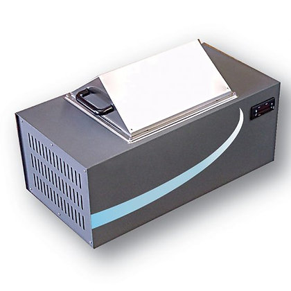 HEATING AND PELTIER COOLING WATER BATHS