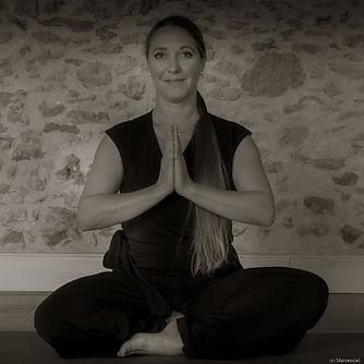 Yoga Lucie - N&B-D-9.jpg