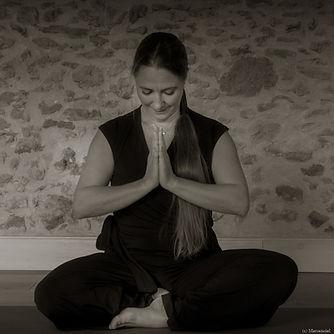 Yoga Lucie - N&B-D-10.jpg
