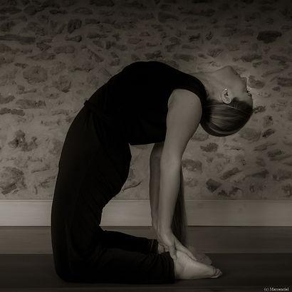 Yoga Lucie - N&B-D-11.jpg