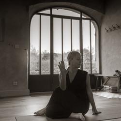 Yoga Lucie - N&B-D-34
