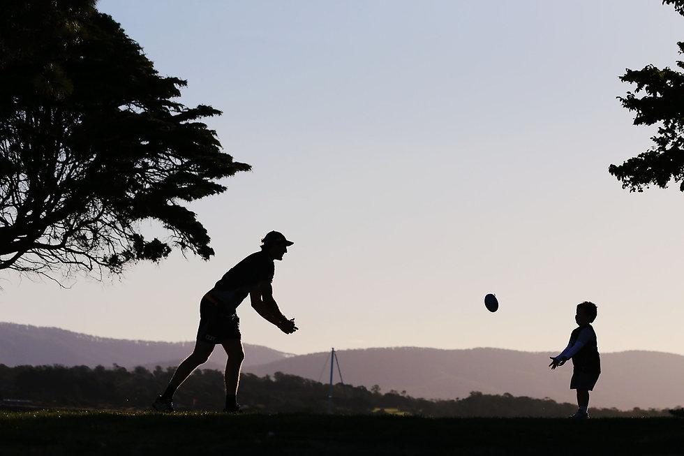 Shadow Handball.jpg