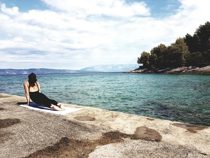 lara_croatia_yoga_2.jpg