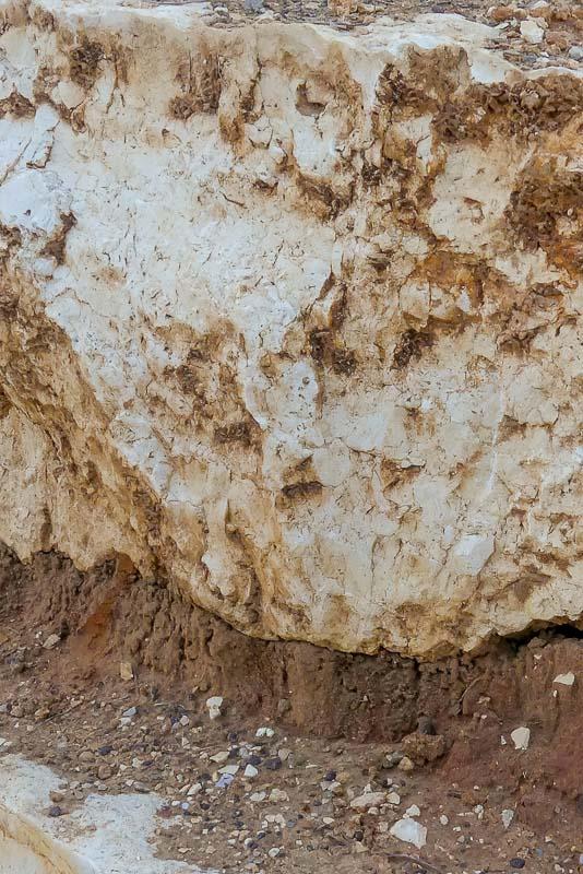 סלעים בינוניים למסלעות קטנות