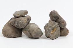 חלוקי נחל הם סוגי של סלעים