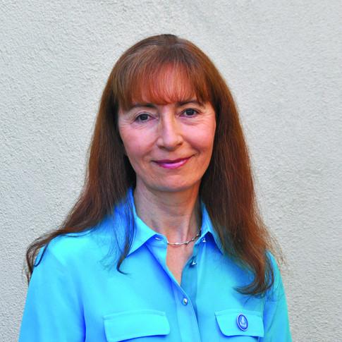 Dr. Bettina Experton