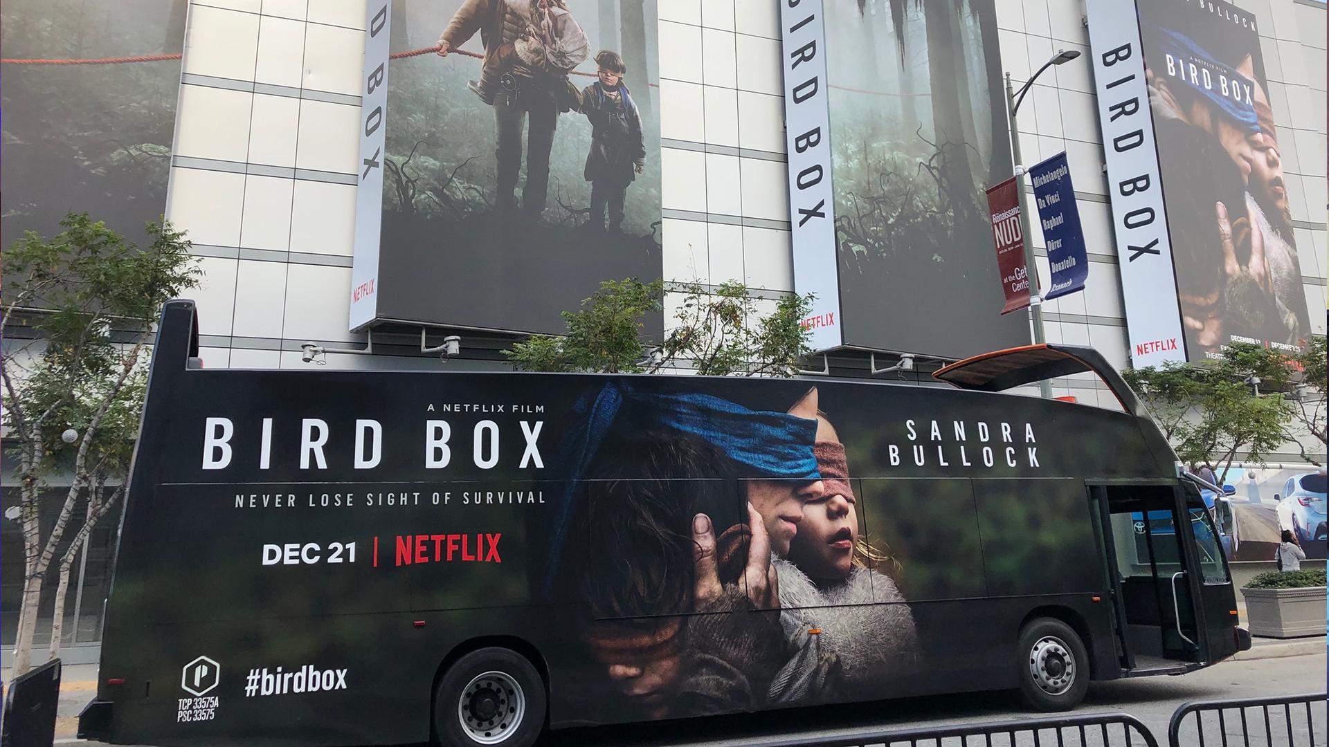 Netflix_BirdBox_bus