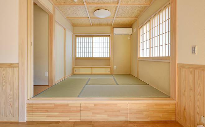小上がりの和室。もちろん床下収納になっています。