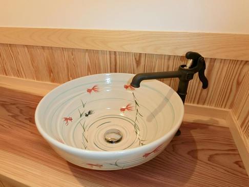 蛇口に井戸を模したトイレ手洗い