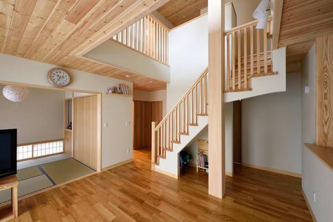 リビングに階段があるお宅。