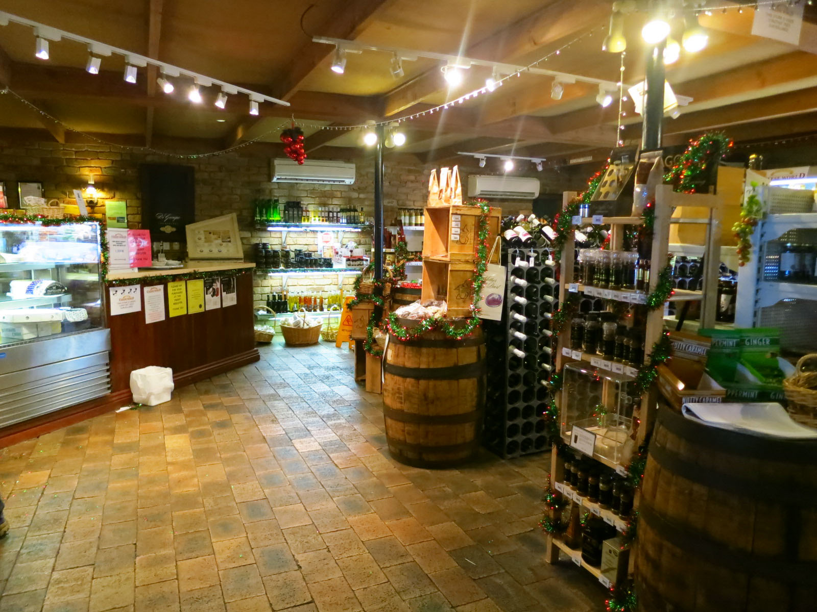 The-cheese-tasting-room-at-Allansford-Cheeseworld