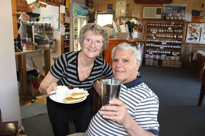 a Milkshake with Linda at Glenrowan