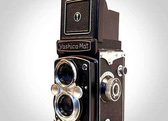 YASHICA MAT WITH YASHINON F3.5/80 COPAL- MXV LENS. EXC+++