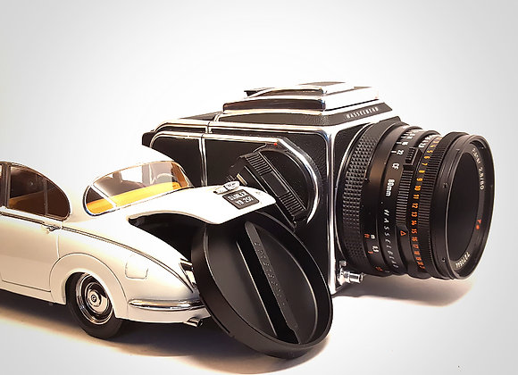SOLD - 500CM WITH 80MM F2.8 CFT* & A12 LATER BACK. EXC+++