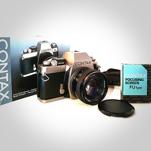 CONTAX S2 WITH 50MM F1.7 T* PLANAR LENS. MINT-