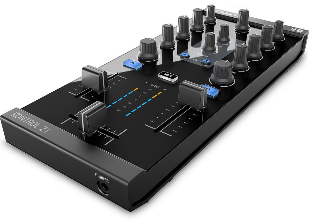 CORSO DJ MODULO CONTROLLER Z1.jpg