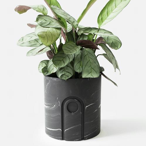 Jane Planter Ø 12 cm 'House Raccoon' - Black Marble