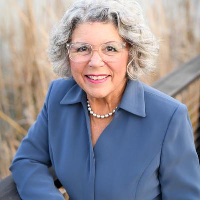 Vickie Holt
