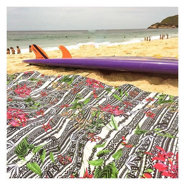 Surf é um esporte que pode ser praticado por pessoas de qualquer idade e nível de habilidade