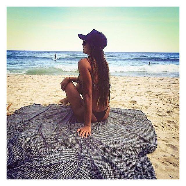 Repost _alanapacelli _Curtindo um dia de praia com sua #maxiCanga Dareia, recuperando dos dias de Ca
