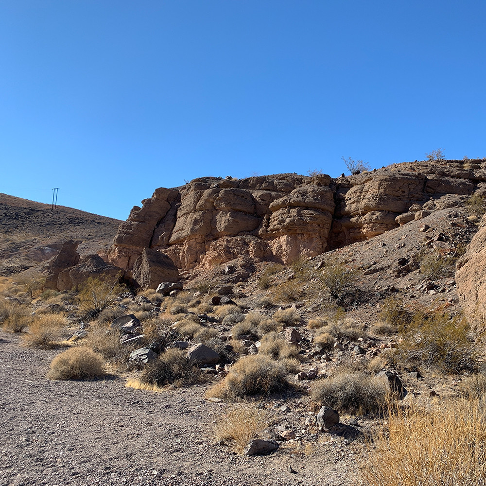 Rock formation and desert flora of Owl Canyon, Lake Mead NRA