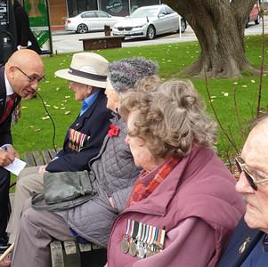 Minister speaks with Veterans
