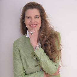 Dr. Anita Stangl
