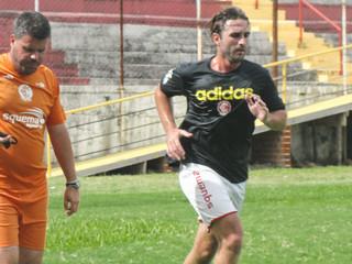 Fernando Salvan volta aos treinamentos