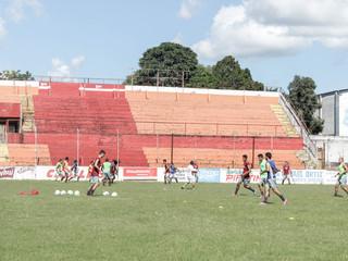 Vinte e seis jogadores já treinam no Presidente Vargas