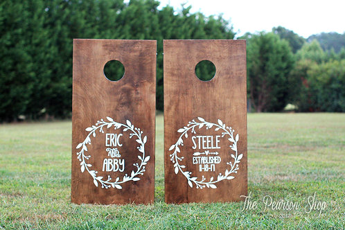 Vine Wreath Personalized Cornhole Set