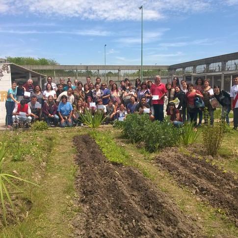 Visita de lxs estudiantes de economía social de Moreno.