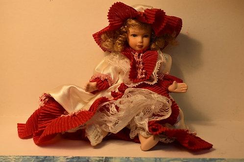 Кукла сувенирная фарфоровая h=18см.