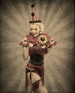 Las Vegas Burlesque Performer