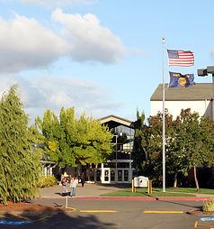 Dallas_High_School_-_Dallas_Oregon.jpg