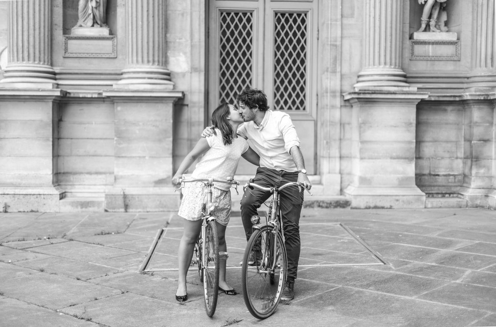 Shooting couple Paris