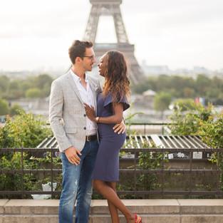 Séance photo couple Tour Eiffel