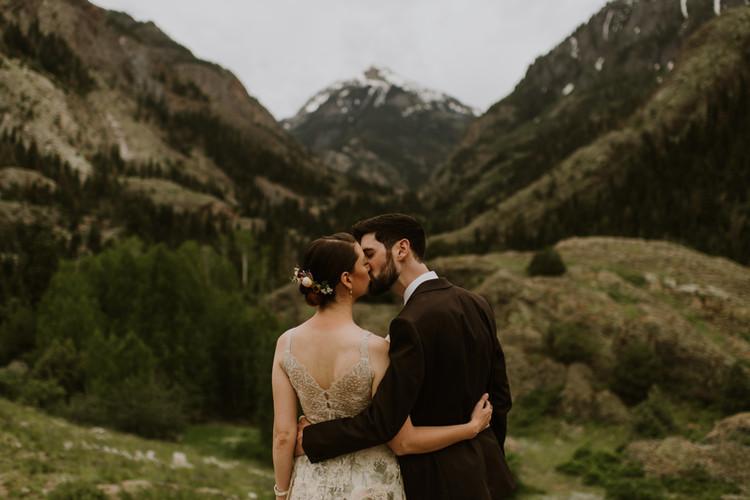 Sarah & Chris' Mount Abrams Kiss