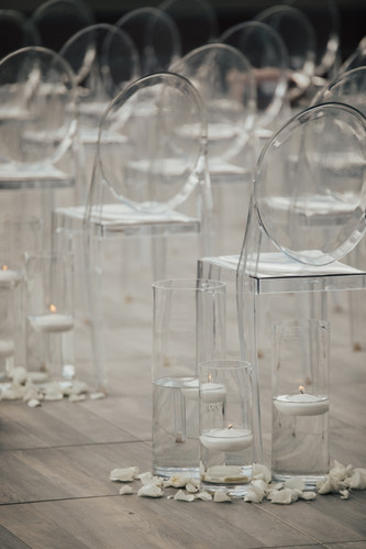 Contemporary Ceremony Decor