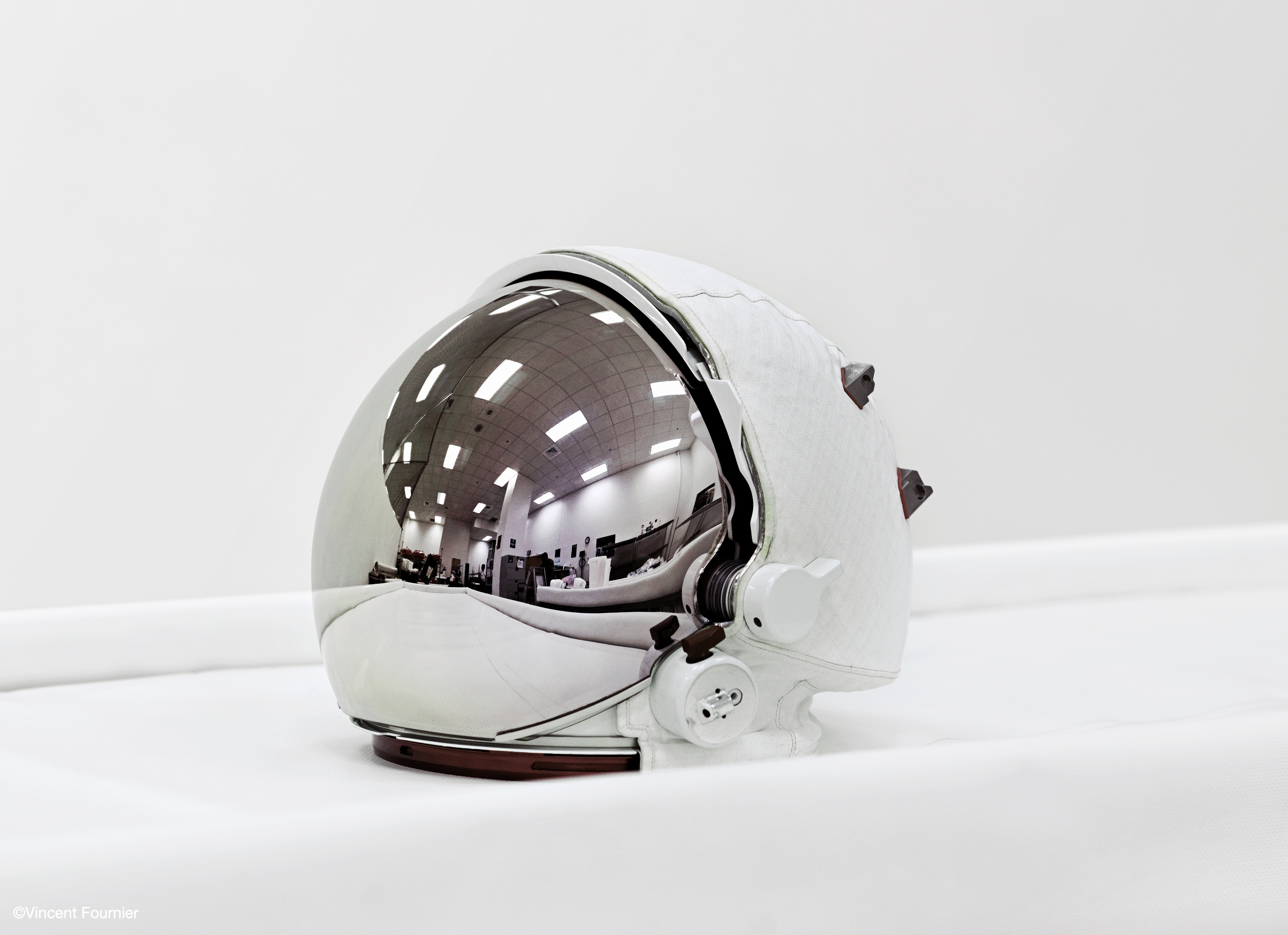 Vincent Fournier - SpaceHelmet