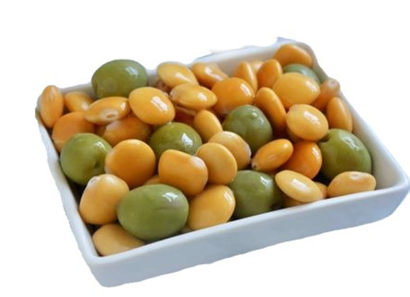 """Olives """"Fantasy"""" mixed with Lupini."""