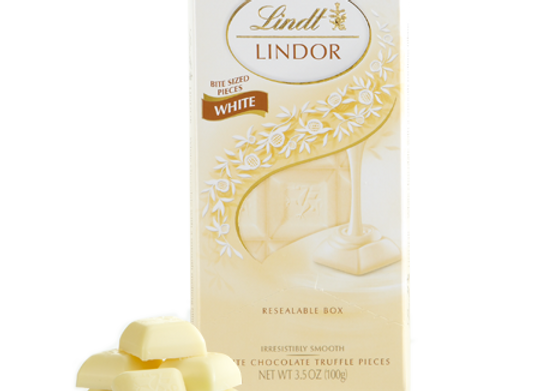 White chocolate truffle pieces LINDT LINDOR