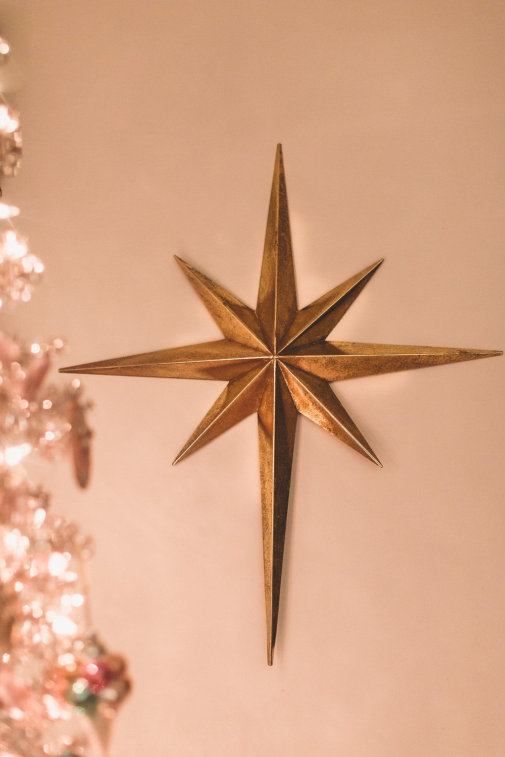 gold star, christmas star, christmas decor inspiration