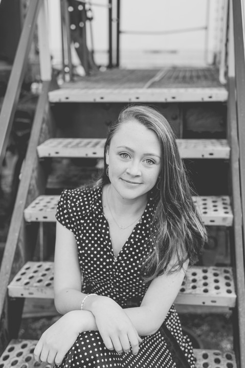 black and white senior portraits, sykesville, Maryland
